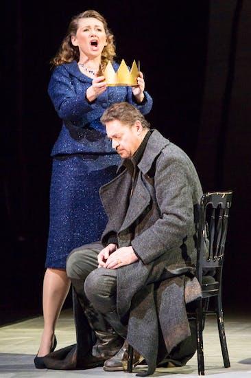 Kelly Cae Hogan (Lady Macbeth) and Béla Perencz (Macbeth)
