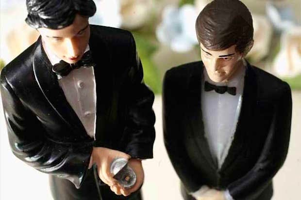 rhetorical essays on gay marriage Outlines the uneven distribution of cleaning work in her marriage and draws though grose begins the essay by effectively rhetorical analysis sample essay.