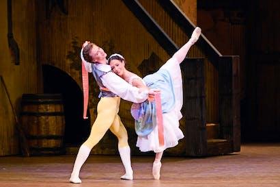 Vadim Muntagirov and Laura Morera in 'La Fille mal gardée'