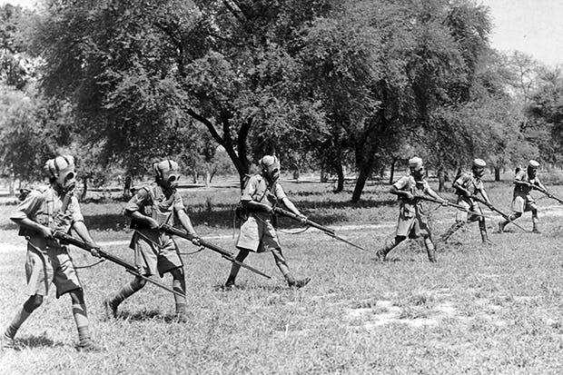 Preparing for modern warfare: Indian infantrymen c. 1940