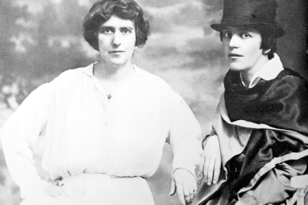 The writer Natalie Barney and painter Romaine Brooks in Paris c. 1915