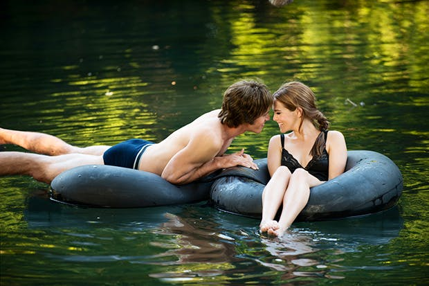 Blake Jenner as Jake and Zoey Deutch as Beverly in 'Everybody Wants Some!!'