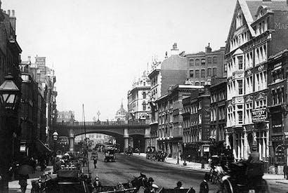 Farringdon Road at the Holborn Viaduct, 1900