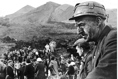Rescue workers at the scene of the wrecked Pantglas Junior School at Aberfan, where a coal tip collapsed killing over 190 children and their teachers. (Photo: Getty)