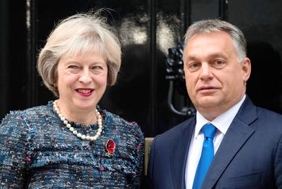 Viktor Orbán meets with Theresa May late last year (Photo: Getty)