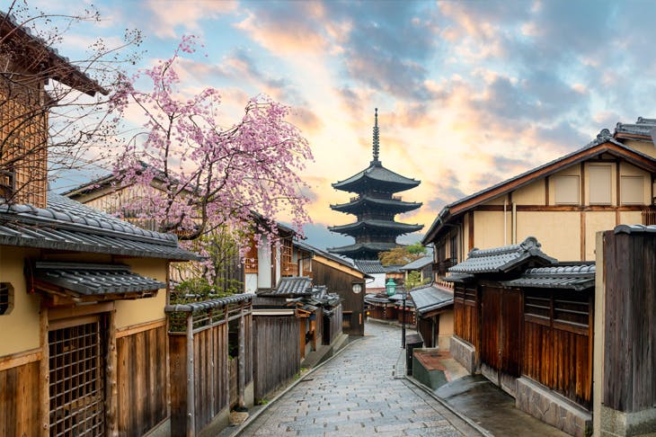 Kyoto's Yasaka Pagoda and Sannenzaka Street with cherry blossom in the morning