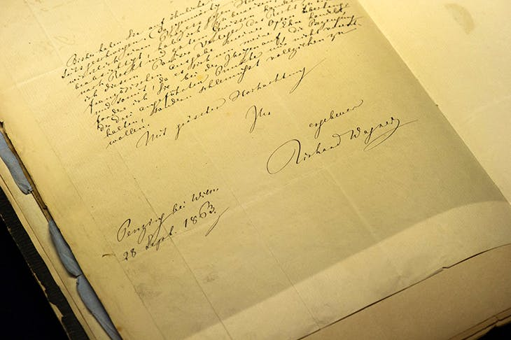 Letter signed by Wagner from an exhibition at the Saxon State and University Library in Dresden in 2013