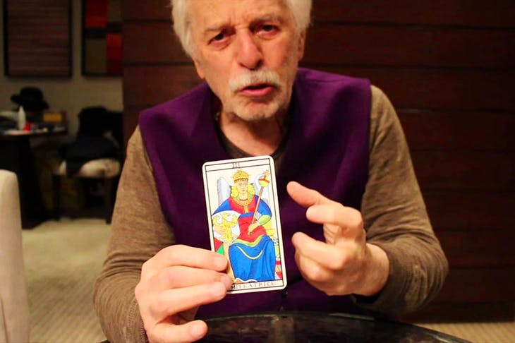 Chilean filmmaker Alejandro Jodorowsky explaining tarot on YouTube