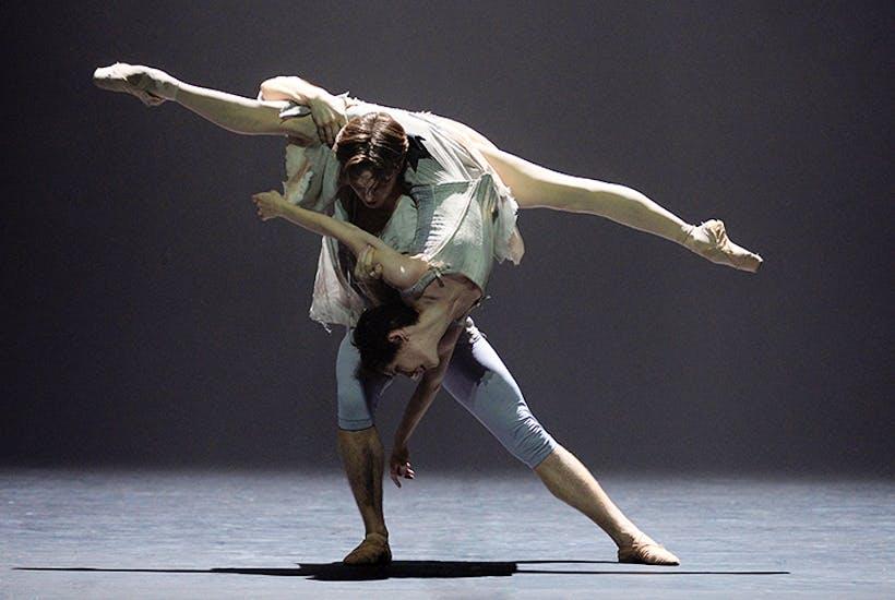 Joseph Caley and Alina Cojocaru in English National Ballet's Manon