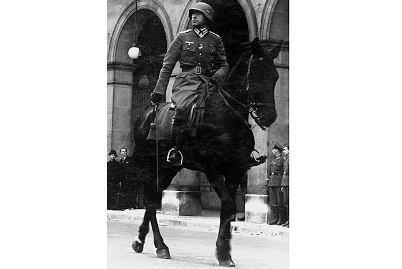 Ernst Jünger in Paris in 1941